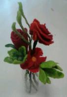 mooie rode viltbloemen